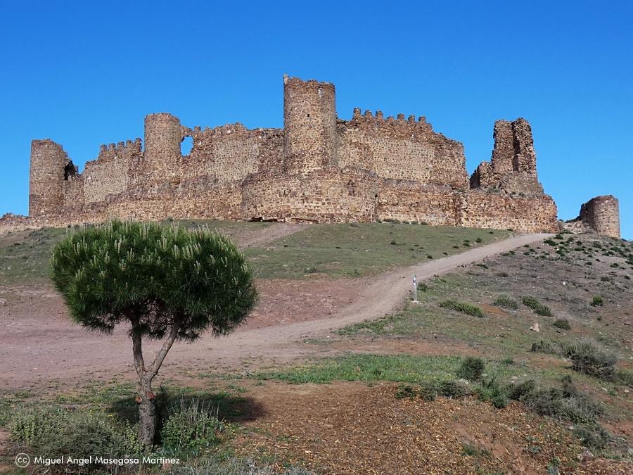 Castillo de Almonacid - Ruta de los Castillos Olvidados