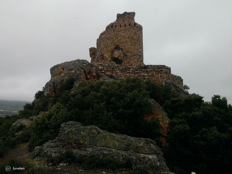 Castillo de Dos Hermanas - Ruta Historia y Naturaleza por los Montes de Toledo