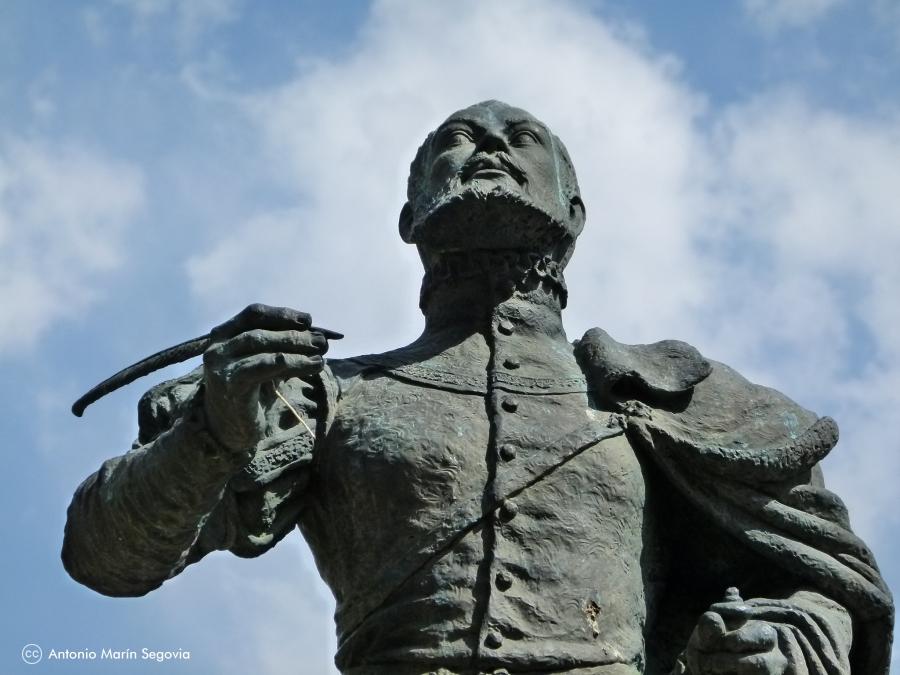 Estatua de Garcilaso de la Vega - Ruta Toledo Literario para Colegios e Institutos